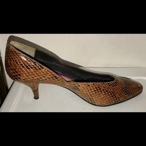Susan Bennis Warren Edwards Snakeskin Shoes 8 1/2